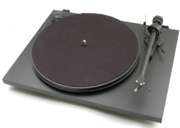 Pro-Ject Essential 2 Turntable