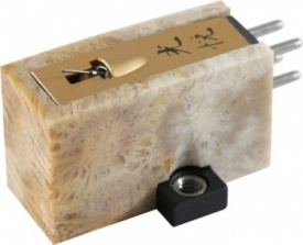 Koetsu Coralstone Platinum Moving Coil Cartridge