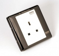 Isoclean 13A Goldplated UK Power Socket + RF Shield