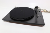 Pro-Ject Essential II Turntable - Black - B Grade (032930)