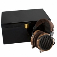 Audeze Luxury Wooden Headphone Show Case - Piano Laquer