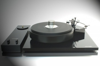 Amazon Audio Grand Reference Turntable