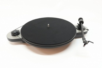 Pro-Ject Elemental DC Turntable - Silver - New, Open Box (021202)