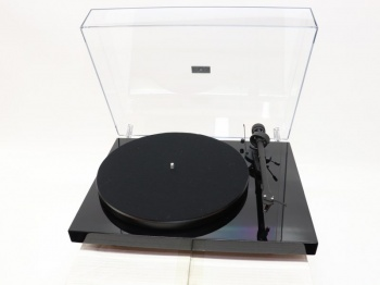 Pro-ject Debut III SE Turntable - B Grade Damaged Box (006472)