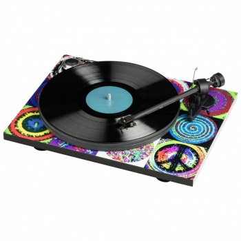 Pro-Ject Ringo Starr, Peace & Love Essential III Turntable