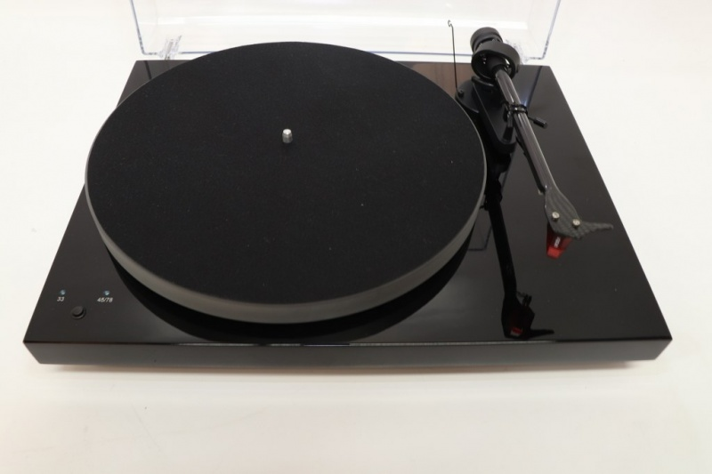Pro-Ject Debut Carbon Esprit SB DC Turntable (Black) (B-Grade) (018004)