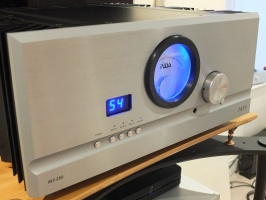 Pass labs (INT-250) Integrated Amplifier Pre Owned