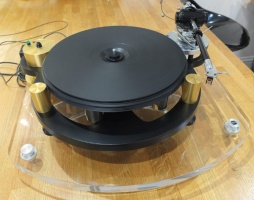Michell Engineering Gyrodec SE Turntable with Origin live Conquerer tonearm, Dynavector 20xx2mk 2 Cartridge and Michell Isobase (Pre Owned)