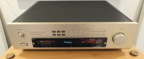 Accuphase T-109V Analogue AM/FM Tuner Pre Owned