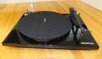 Pro-Ject Essential III Turntable (With Built In Phonostage) Black (B Grade - 14916)