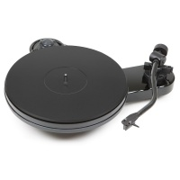 Pro-Ject RPM-3 Carbon DC Turntable- Gloss Black (Ex Demonstration) 003262